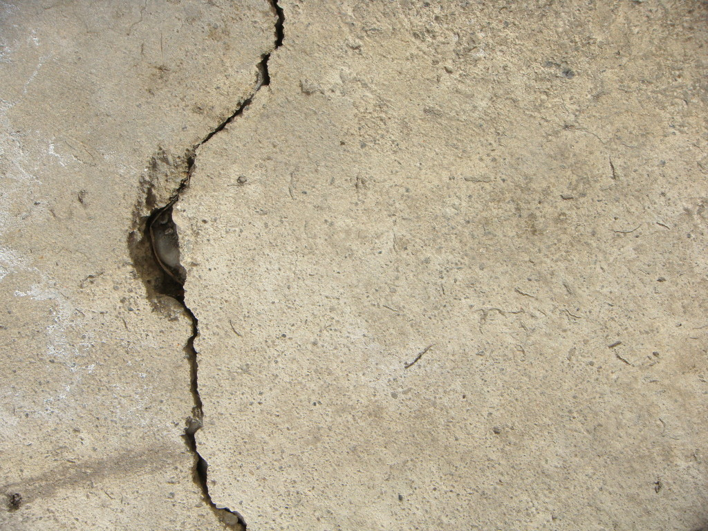basement cracks in metro detroit