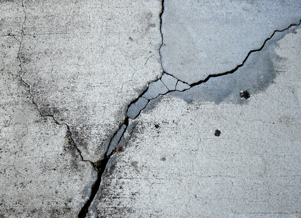 crack repair southeast Michigan